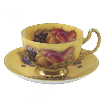 Чайная чашка с блюдцем