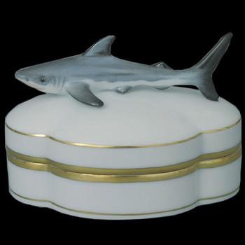 Шкатулка с акулой