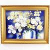 Картина Белые цветы в золотом багете