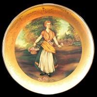 """Настенные тарелки """"Девушка с корзиной"""""""