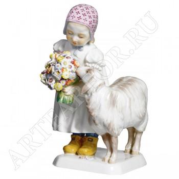 "Фигурка ""Ребенок с овечкой"""